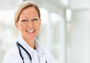 Lächelnde Ärztin