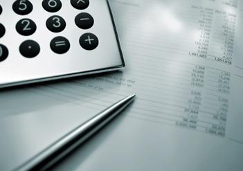 Taschenrechner, Zahlenblatt, Kugelschreiber
